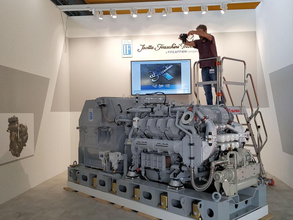 Succede in Isotta Fraschini Motori Gruppo Elettrogeno con Motore V 1708